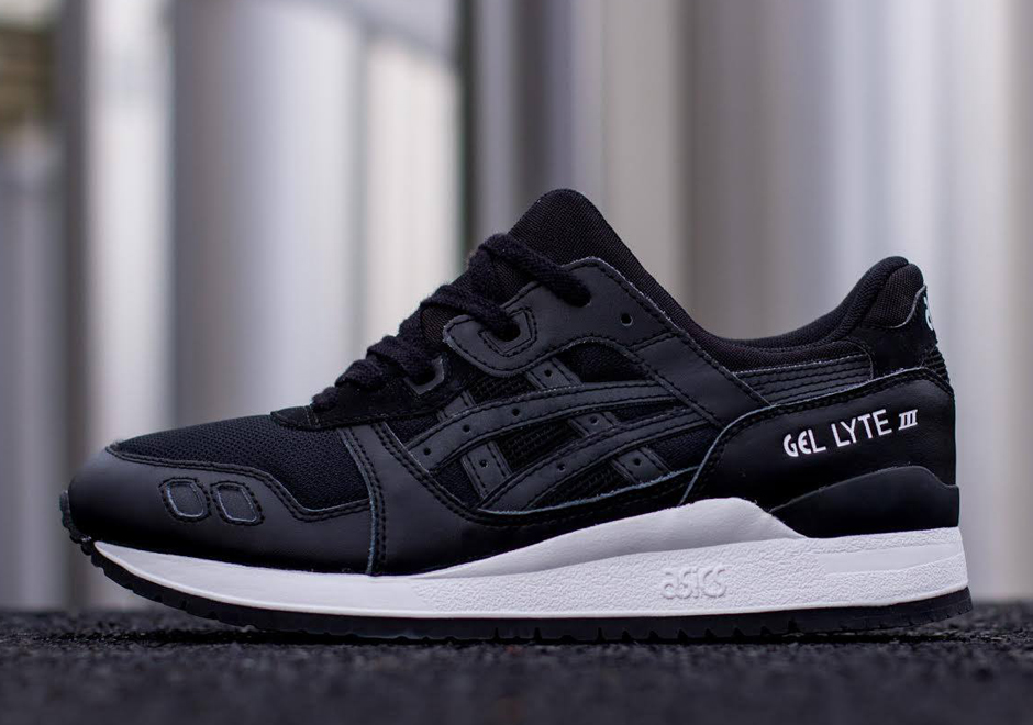 black and white asics gel lyte