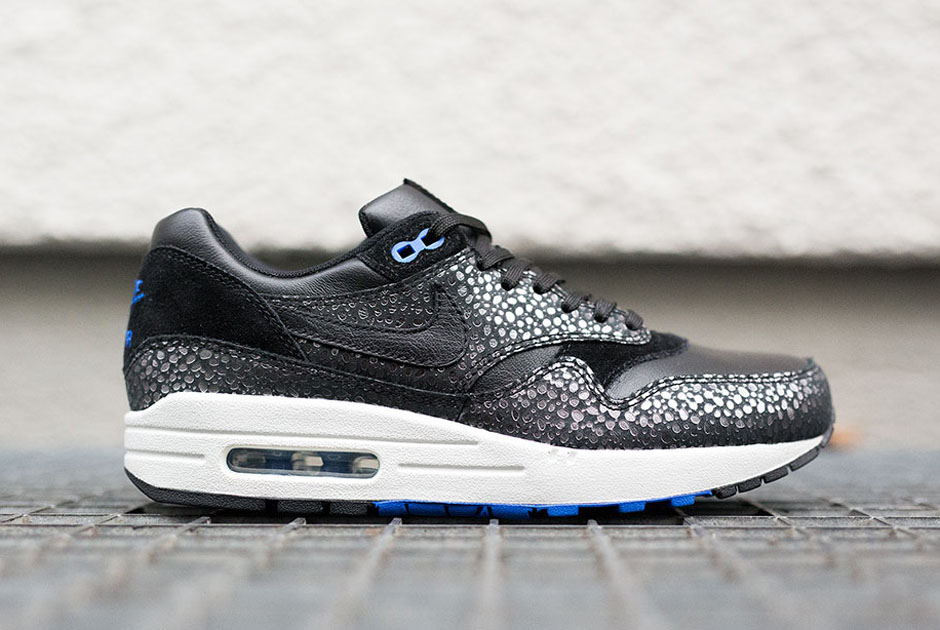 pago nudo tema  A Detailed Look at the Nike Air Max 1 Deluxe