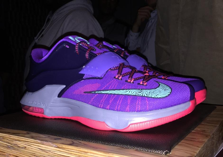 Foot Locker Previews Infrared 6s, Kobe