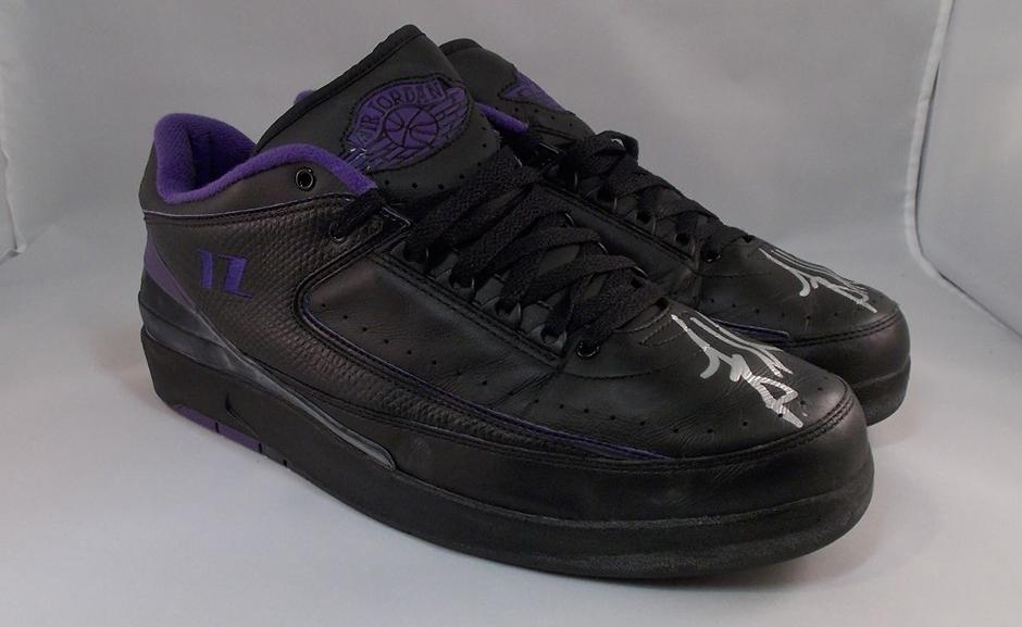 Sneaker News NINE NINE  Jordans Not Autographed By Michael ... 9d3d147fd