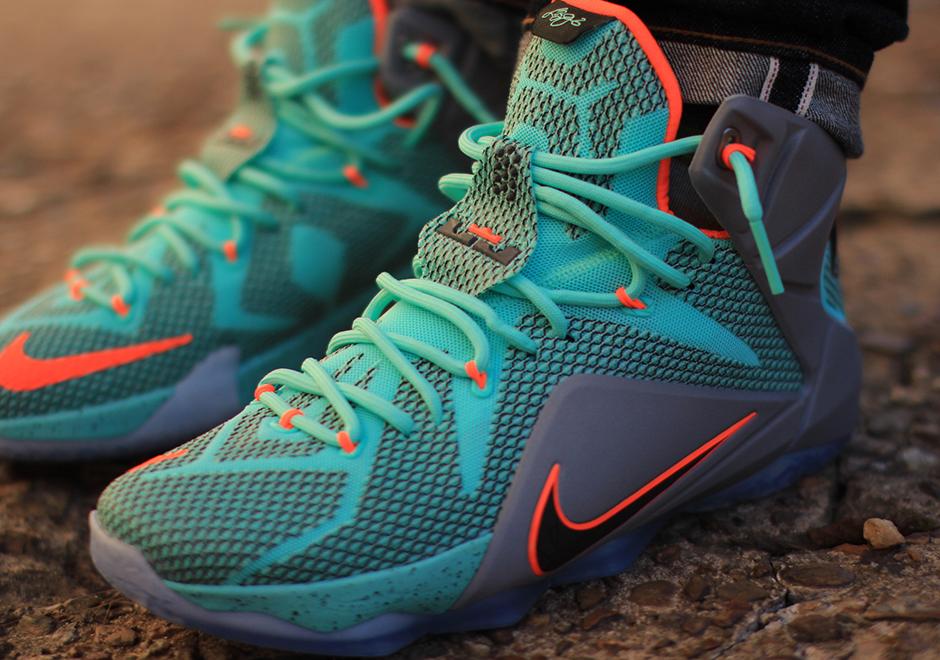 the latest f7d3d 4048e Nike LeBron 12