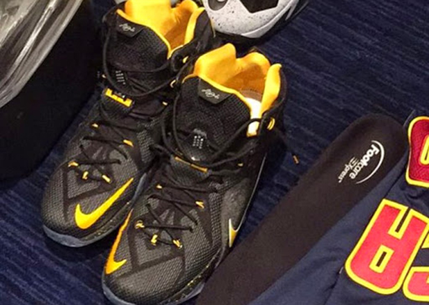 the best attitude 69e2d 385db LeBron James Wears His LeBron 12s With Custom Insoles From A ...