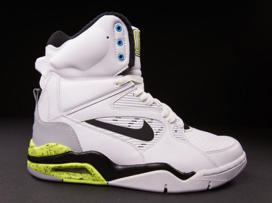 """Nike Air Command Force """"Citron"""" – Release Reminder"""