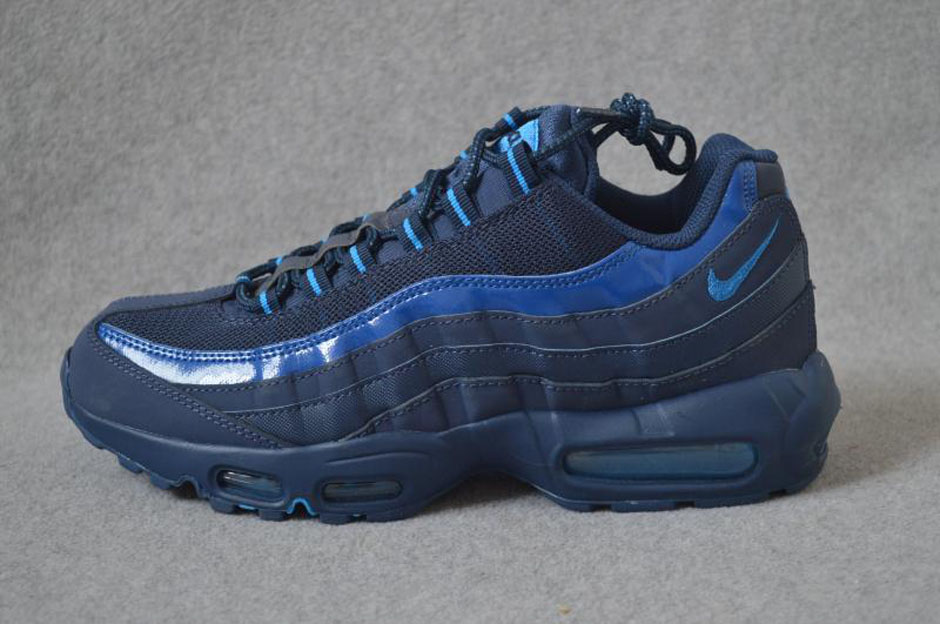 nike air max 95 em tokyo high top turf shoes zoom air Royal Ontario