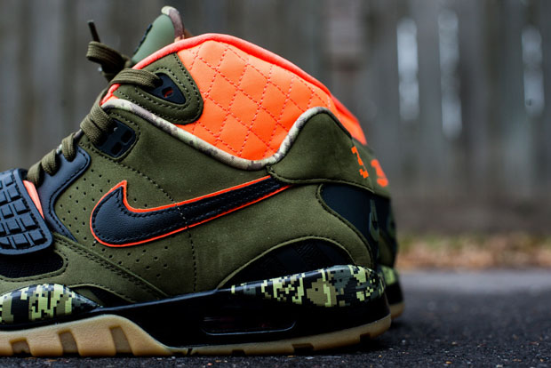 Nike Air Trainer SC II High Bo And Arrows Arriving at