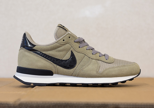 competitive price 2412e 184fe ... netherlands nike internationalist black bamboo sneakernews 91a51 8eeb9  ...