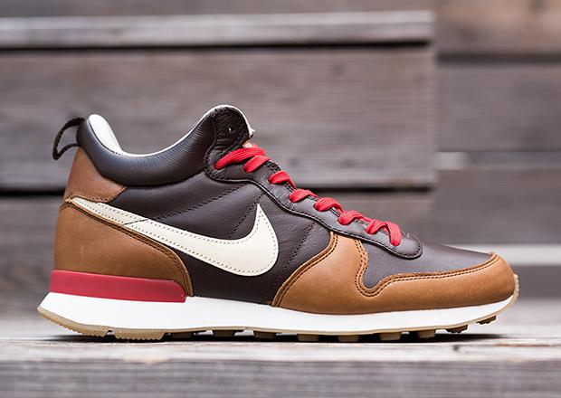 timeless design abcd2 5b2d0 Nike Internationalist Mid
