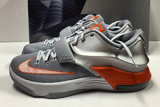 sports shoes 9d4fc 1362c chic Another Look at the Nike KD 7 quot Texasquot