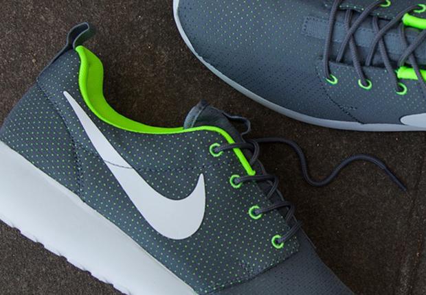 Nike Roshe Run Grey Perf Volt
