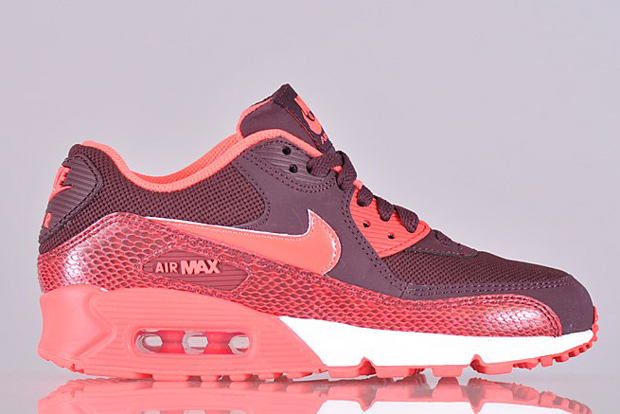Nike Women's Air Max 90 Hyper Punch Snakeskin