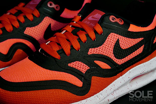 """online retailer d0dd2 c1240 Nike Women s Air Max Lunar1 BR """"Hyper Punch"""" ..."""