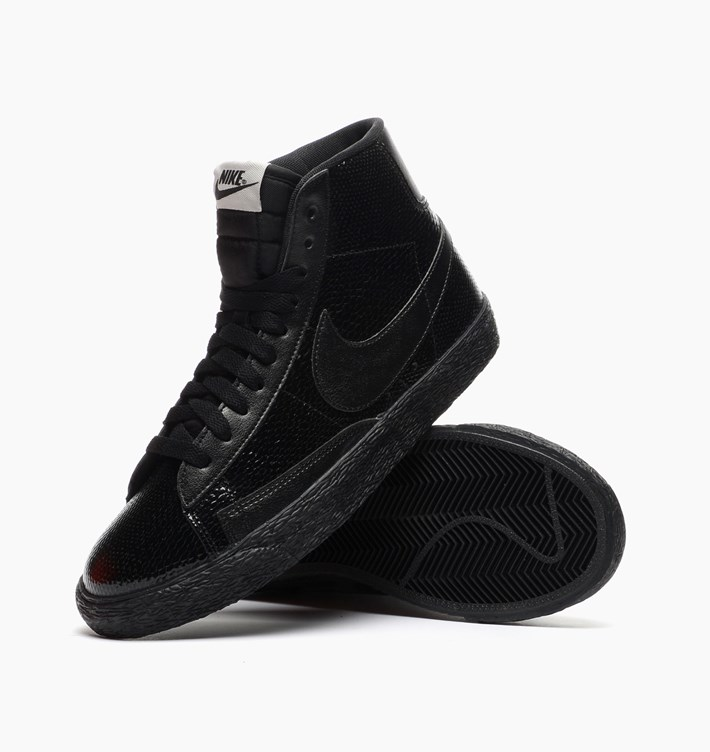 brand new 89029 62369 Nike Women s Blazer Mid Premium Leather - Patent Leather Snake -  SneakerNews.com
