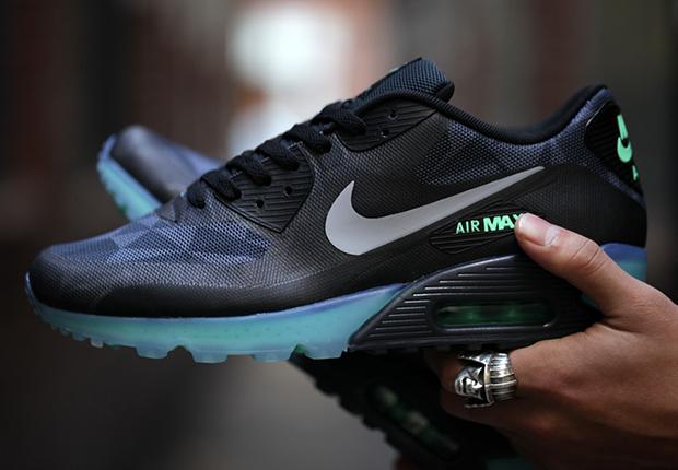 Gasto luz de sol inalámbrico  Nike Air Max 90 ICE - Black - Cool Grey - Blue - SneakerNews.com