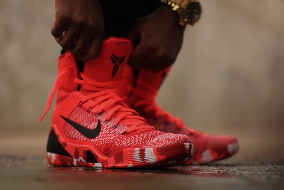 "Nike Kobe 9 Elite ""Christmas"" – Arriving at Retailers 