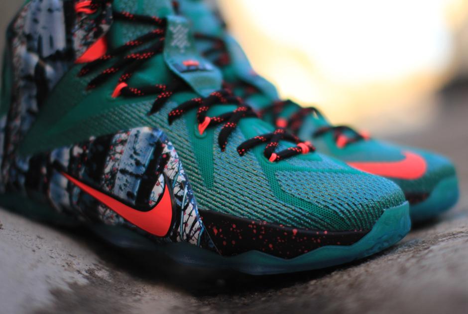 Nike LeBron 12 Christmas - Arriving at Retailers