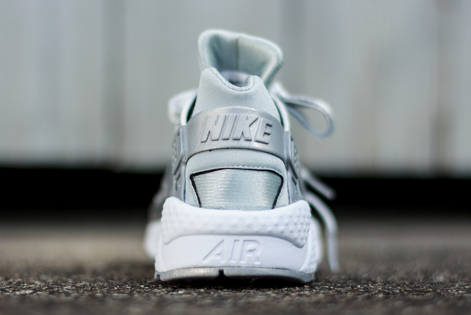 nike huarache silver sneakers