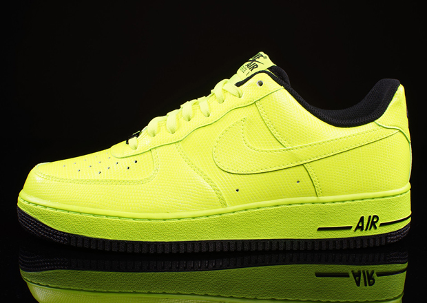 neon yellow nike air force 1