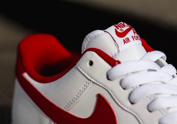 Nike Air Force 1 Blanco / Gimnasio Rojo Jordan 4 VjWVfhr