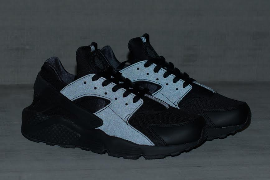 new nike huarache black