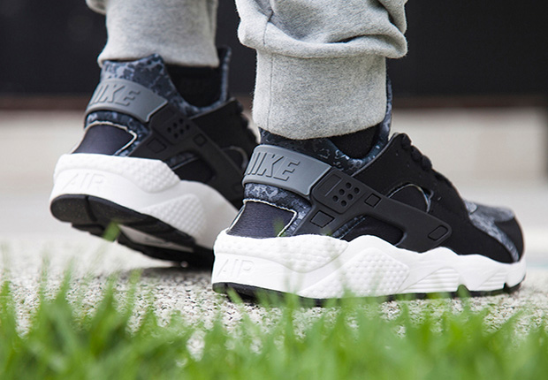 ecac7104105f A Detailed Look at the Nike Air Huarache