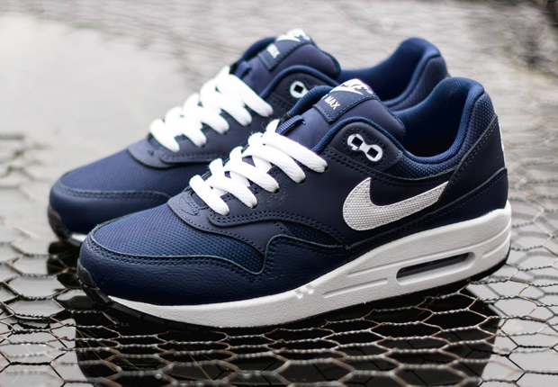 nike air max 1 navy blue