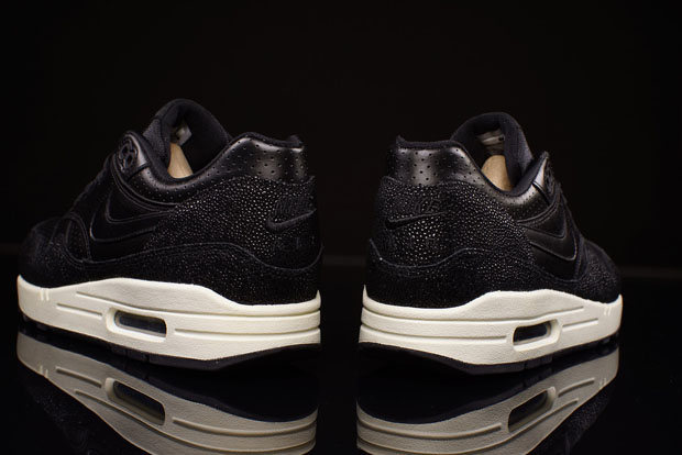 7044c5a371 Nike Air Max 1 Leather