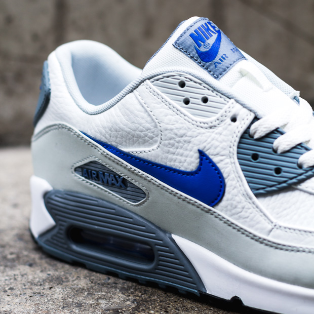 blue and white nike air max 90