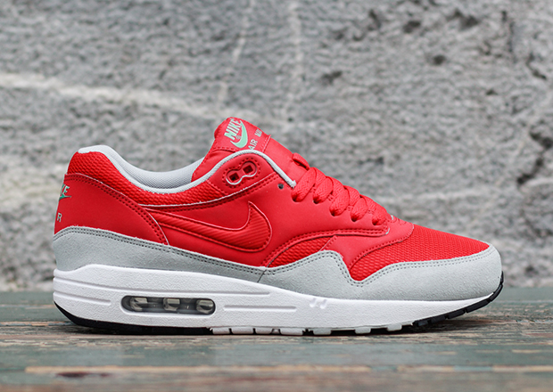 nike air max 1 red grey