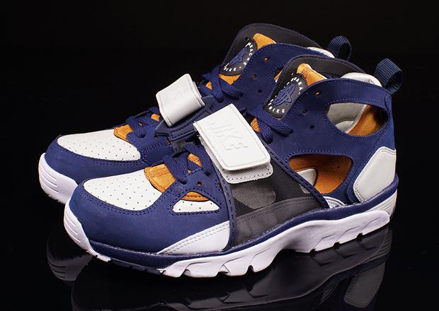 b6893c46f3 Nike Air Trainer Huarache