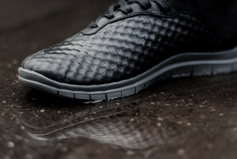 the latest 442ee b0cc5 A Detailed Look at the Nike Free Hypervenom Mid ...