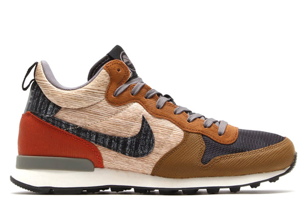 nike internationalist qs mid