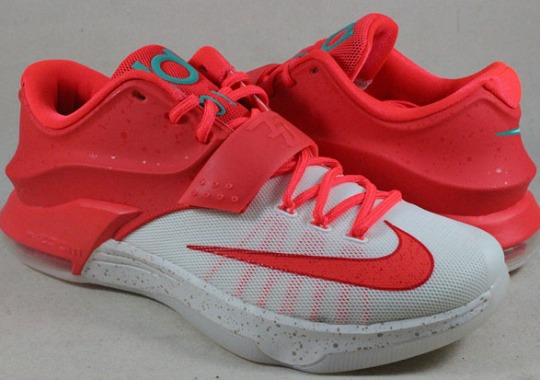 "Nike KD 7 ""Christmas"" – Available Early on eBay"