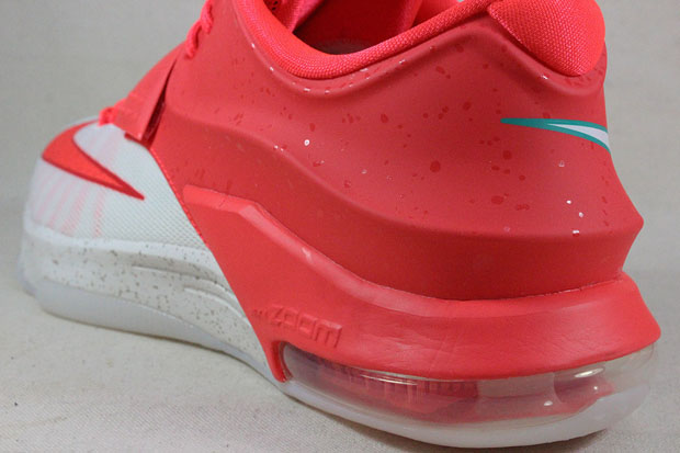 lovely Nike KD 7 quot Christmasquot Available Early on eBay