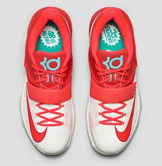 "Nike KD 7 ""Christmas"" – Release Date"