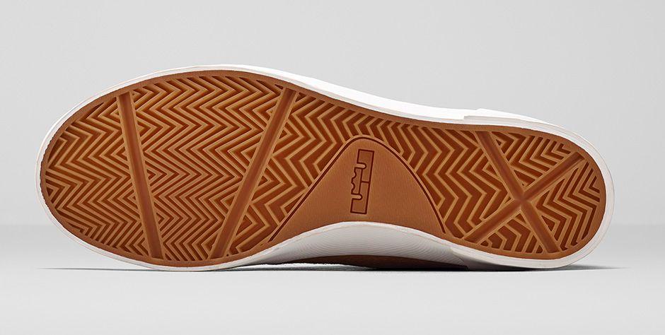 online retailer 30dd1 545d7 Nike LeBron 12 NSW Lifestyle