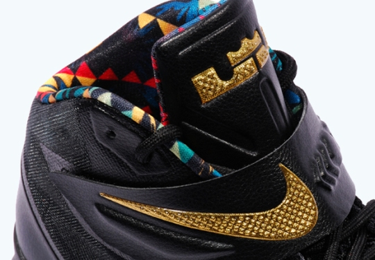 "Nike Zoom LeBron Soldier 8 ""Watch The Throne"""