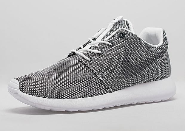 Nike Roshe Mesh Noir Et Blanc