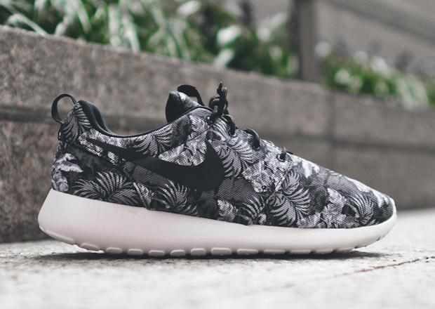 Roshe Run Hommes - Wmns Nike Rosherun Femmes Yelorange Abrasion Resistant Fonctionnement Chaussures 7 Days Exchange Chaussures Réduction Boutique En Ligne