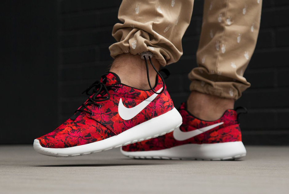 Nike Roshe Courir Gpx Prix Floral Rouge