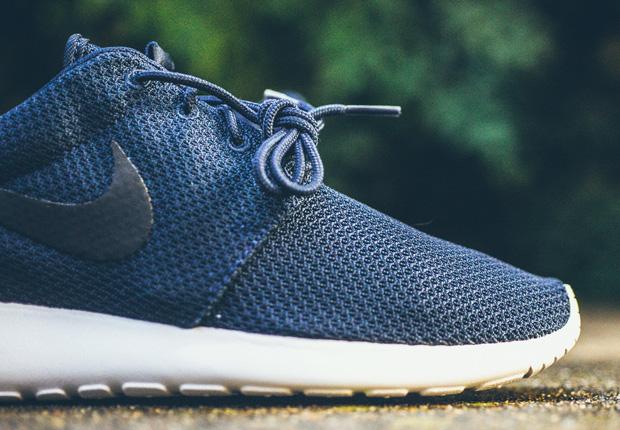 4ce154c459e5 Nike Roshe Run