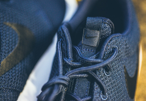 "Nike Roshe Run ""Midnight Navy"" – Available"