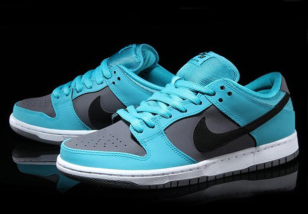 pretty nice 8377e 70dd2 Nike SB Dunk Low