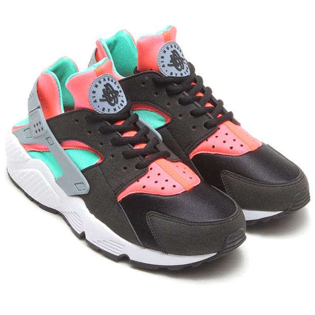 Nike Womens Air Huarache \u2013 Black \u2013 Mint \u2013 Hot Lava .