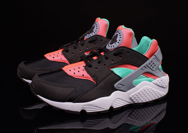 "Nike Womens Air Huarache ""Hot Lava"" Available"