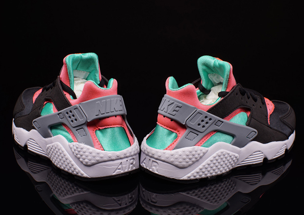 info for d3cb9 a9de8 Nike Womens Air Huarache