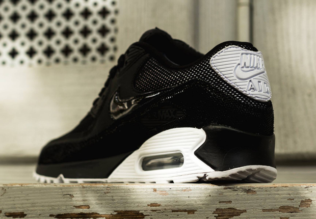 Nike Womens Air Max 90 Black White Metallic Silver