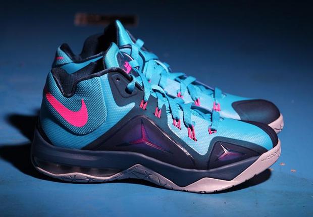 ... Nike LeBron Ambassador 7 . ...