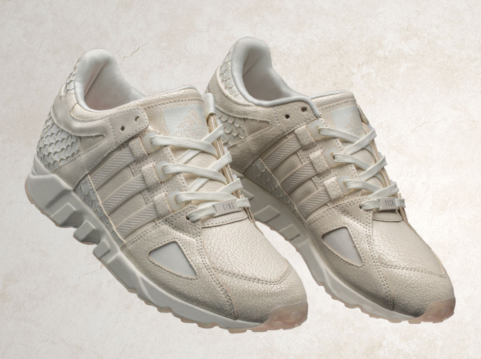 NEW ULTRA BOOSTEqt support ultra primeknit vintage white