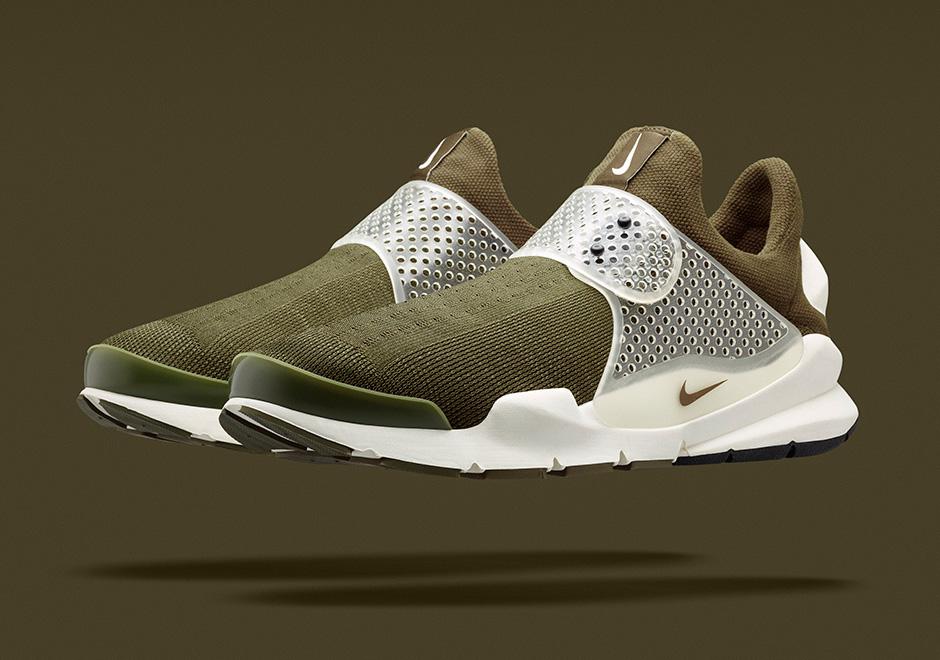 distorsionar Tecnología Recuerdo  Sneaker News 2014 Year in Review: Top 10 Nike Retro Releases -  SneakerNews.com