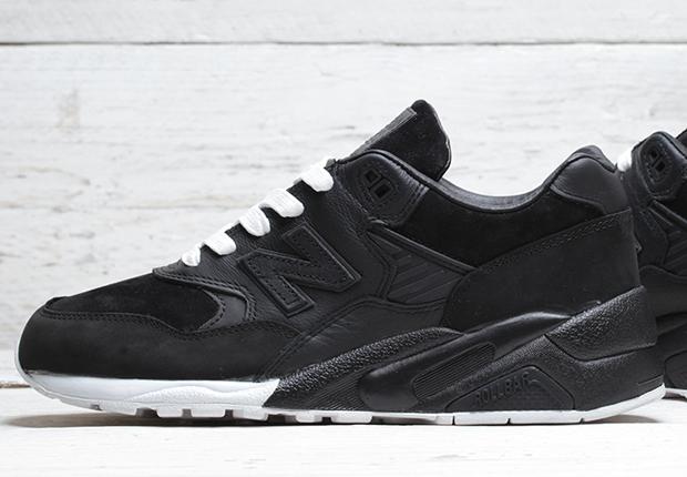 new balance 580 all black